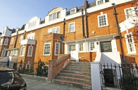 Master this Dutch Gable-fronted West Kensington family house