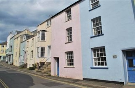 Pick up a pastel gem in the heart of the Pearl of Dorset