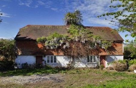 Picture perfect period cottage in oast-house rich Kent