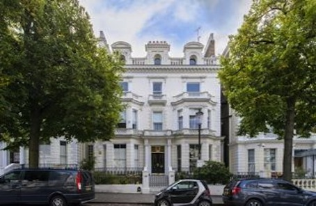 Bijou, pied-a-terre, petite, whatever: it's in Holland Park