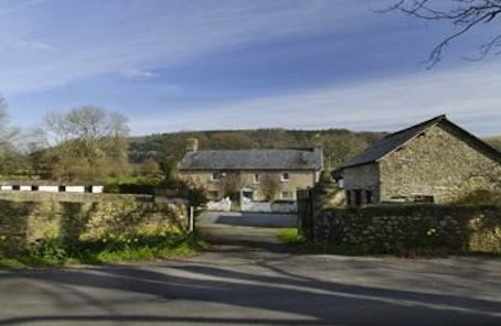 Go west for a budget Brecon Beacons listed rural retreat