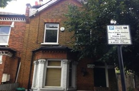 Calling Tooting Cash Buyers for Spook-free Short Lease Garden Flat
