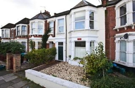 Refreshing: Good Size Chiswick Flat at a Realistic Price