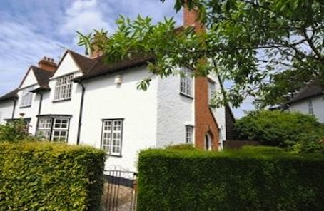This historic Hampstead Garden Suburb cottage has outlived the stars